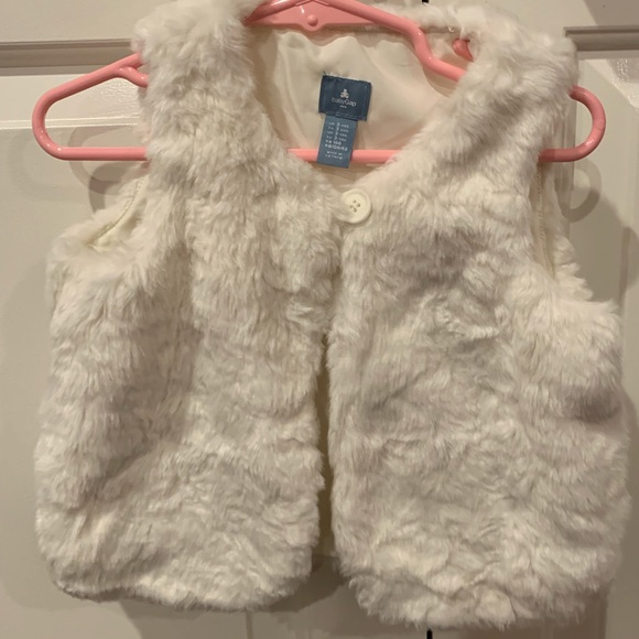 GAP Other - Girl's faux fur vest